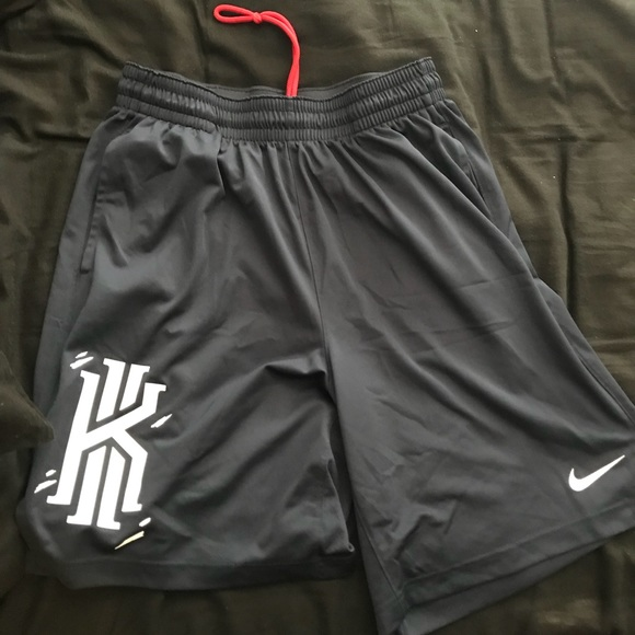 375ab020857 Kyrie Irving basketball shorts
